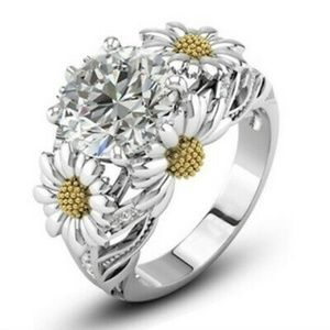 🌼 Dancing Daisies Silver Fashion Ring Sz 8